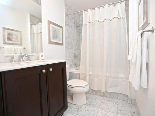 home-staging-checklist-bathroom-standard_22f850602adc7b6dcd226fa93718a569_680x513_q85