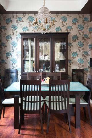 whole-house-color-palette-dining-room-wallpaper-standard_2x3_54069002b367c2280a2640678b3c0a11_320x480_q85