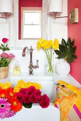 whole-house-color-palette-pink-bathroom-standard_2x3_148b52c3be7a6dd4e71cac389164e341_320x480_q85