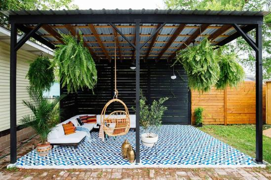 small-patio-decorating-ideas-shade-standard_e57812b270ed4aa6644eac96c81f56ed_860x574_q85